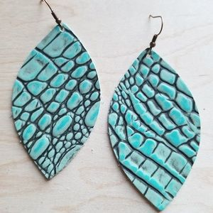 Leather Oval Earrings in Turquoise Gator